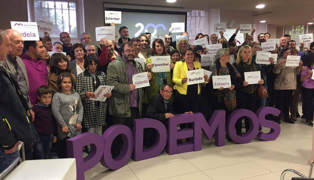 Foto de familia de la candidatura de Eduardo Santos, con Ainhoa Aznárez en el centro.