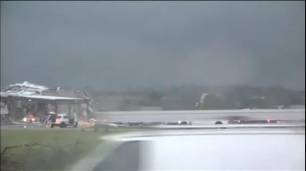 Varios tornados acaban con la vida de al menos cinco personas en el norte de Texas