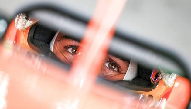 Foto del piloto español de Fórmula 1 Fernando Alonso, en su McLaren.