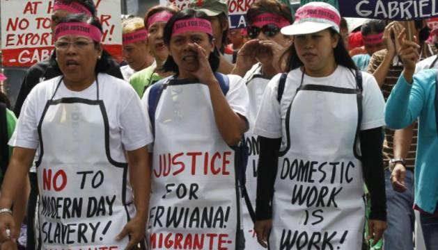 Varios manifestantes en Hong Kong piden derechos para los trabajadores del hogar