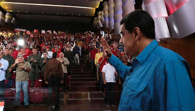 Maduro anuncia una subida del 60 por ciento en el salario mínimo
