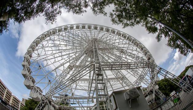 Foto de la noria que se instaló el año pasado en el parque de Antoniutti.