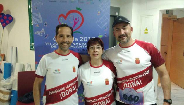 Foto de los tres navarros que compitieron en Granada: Manuel Arellano Armisén, Jerusalén Lorea Ortiz y Iosu Martín García.