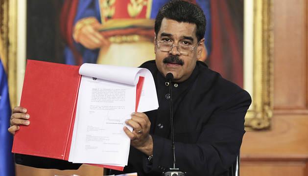 Maduro pide cambiar la Consitución ante las protestas de la oposición
