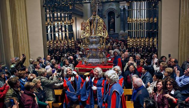 La misa de la escalera de abril en la que San Fermín volvió a la capilla.