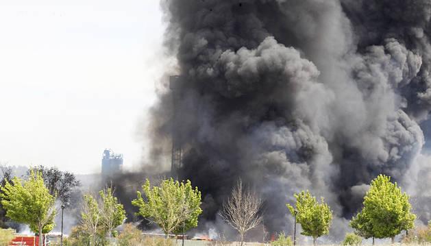 Quince heridos ne varias explosiones en una nave de Arganda
