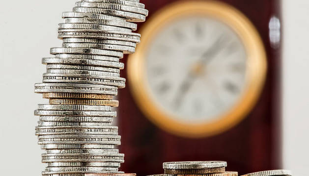 foto de monedas de euros apiladas