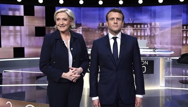 Foto previa al inicio del debate televisado entre los dos candidatos