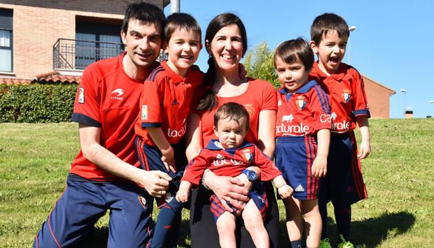 La familia Zalaya Rubioha resultado elegida como la mejor familia del concurso de fotos de Expofamily.