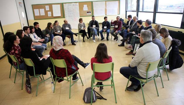 Imagen de una de las sesiones celebradas por los alumnos de la Lanzadera de Empleo de Tudela.