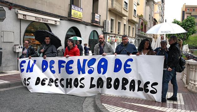 Instante de la concentración celebrada ayer por ELA en Tudela.