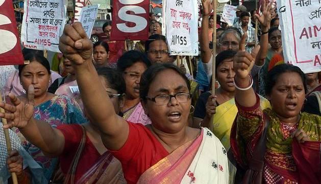 Una de las múltiples manifestaciones que tienen lugar en Nueva Delhi contra las violaciones de mujeres