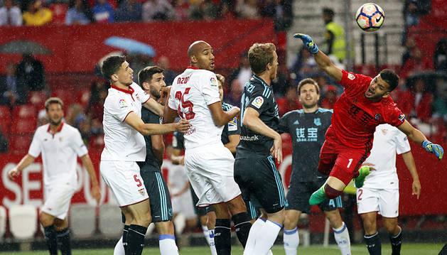 Reparto de puntos entre Sevilla y Real que deja abierta la pelea por Europa