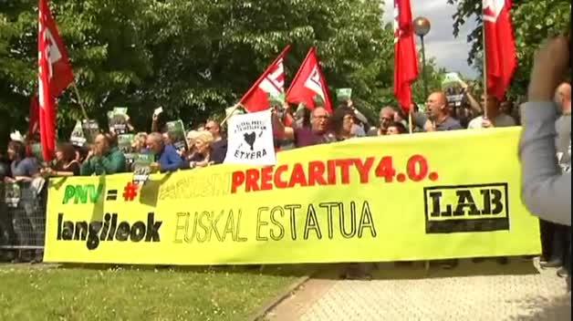 Protestas contra el rey durante su visita a Bilbao