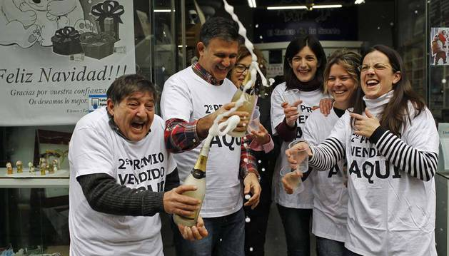 Agustín Moreno Montaño, Antonio Moreno Montaño, Ainhoa Donamaría Blázquez, Mariví Martín Hernández y Mónica Ventura Ojer, en Navidad.