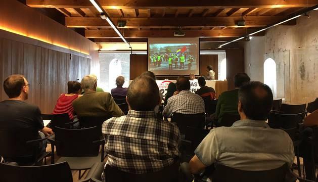 Las Marchas por la Dignidad de Navarra ha celebrado este sábado también una asamblea en el Palacio del Condestable de Pamplona.
