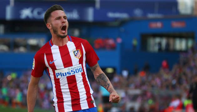 Saúl Ñíguez celebra el gol marcado al Eibar esta tarde en el Calderón