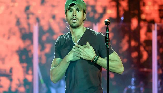 Enrique Iglesias, durante el concierto de este viernes en Berlín.