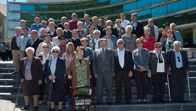 Los vecinos participantes en el proyecto asistieron ayer a la presentación en Artica.