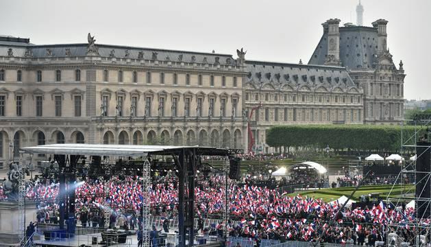 En París, este domingo, al conocerse los primeros resultados