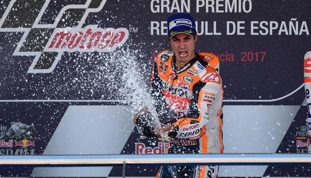 Dani Pedrosa celebra su victoria en Jerez