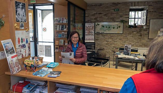 Espacio interior de la oficia de turismo de Estella.