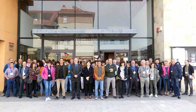 Participantes en la sesión de ayer celebrada en Alsasua, con la consejera Isabel Elizalde y el viceconsejero vasco de Agricultura, Bittor Oroz.