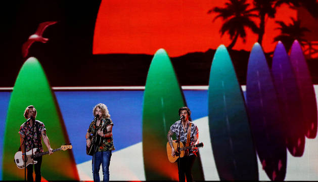 Manel Navarro logra el aplauso en su tercer ensayo en Eurovisión