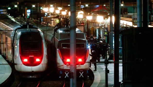 Evacuada la principal estación de trenes de París en busca de sospechosos