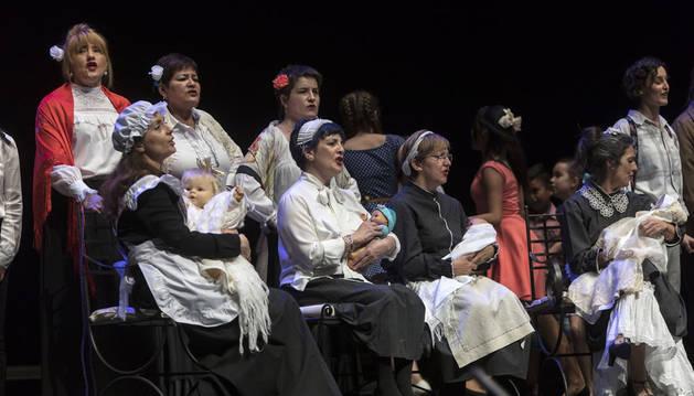 El alumnado de canto revivió el Madrid castizo del siglo XIX con 'Agua, azucarillos y aguardiente'