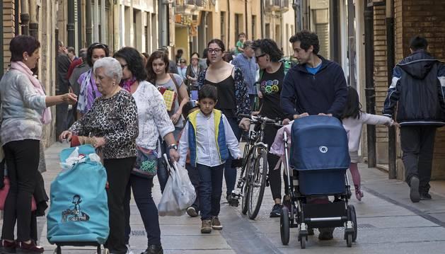 Imagen de una zona comercial de Estella la pasada Semana Santa.