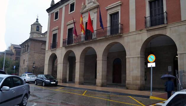 Exterior del Ayuntamiento de Lodosa.