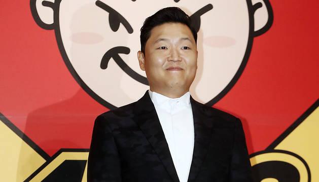 El rapero surcoreano Psy posa durante la presentación de su nuevo álbum en Seúl.