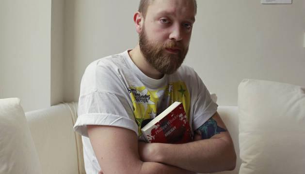 Philipp Winkler autor de una novela sobre la violencia en el fútbol y el movimiento 'hooligan'