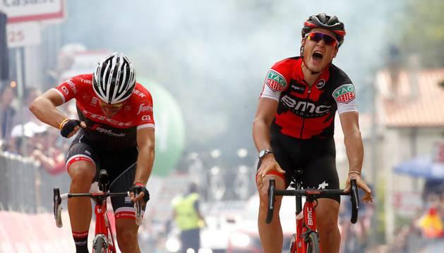 Silvan Dillier celebra su victoria en la sexta etapa del Giro