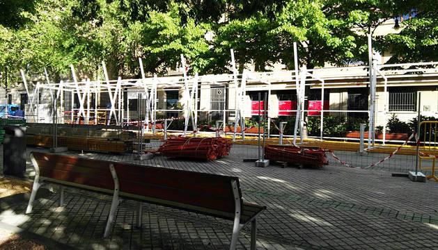 La instalación de la tómbola de Cáritas en Pamplona