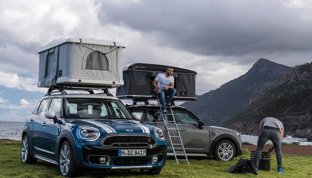 El Mini Countryman con carpa de techo