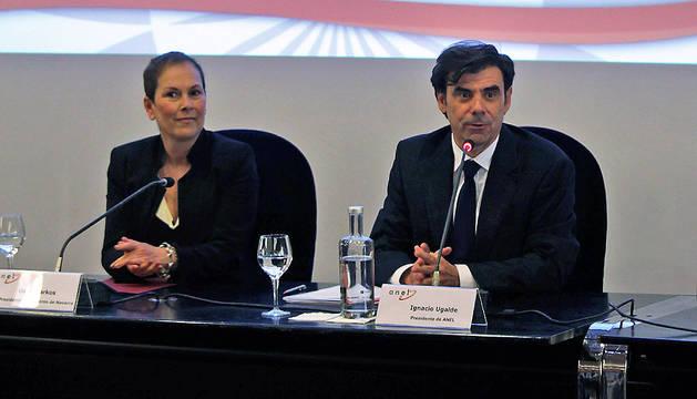 Uxue Barkos, junto a Ignacio Ugalde, presidente de ANEL.