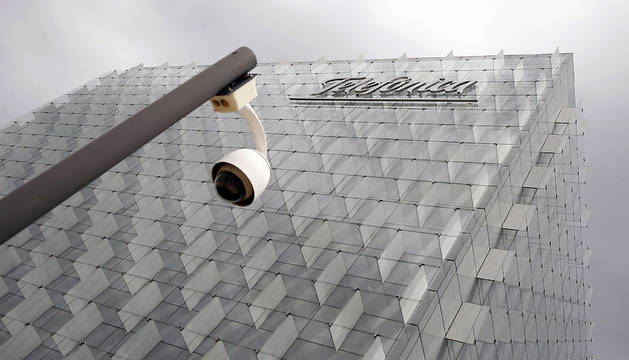 Fachada de la sede corporativa de Telefónica, en el distrito de Las Tablas en Madrid.