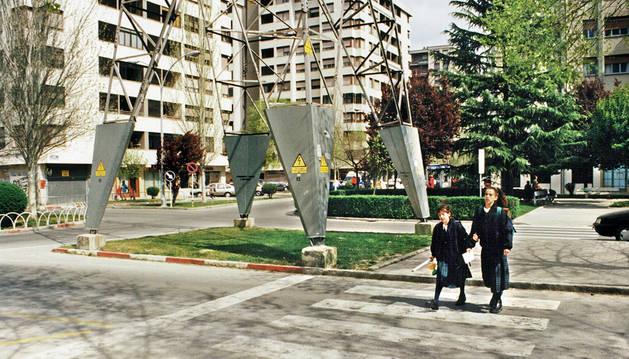 1997: Se atrasa otra vez la retirada de las torres de alta tensión
