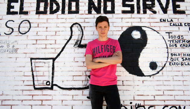 Jorge, de 21 años y estudiante de la UPNA, confesó su orientación sexual a sus padres y a su hermana con 18 años.