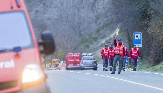 Dotaciones de la Policía Foral atienden en un accidente