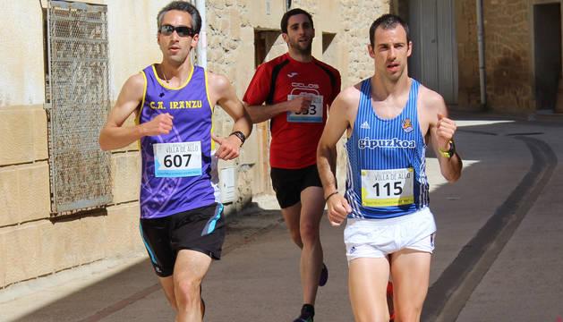 Juániz (607), primero en 5 km, y Nagore (115), líder en los 10 km.