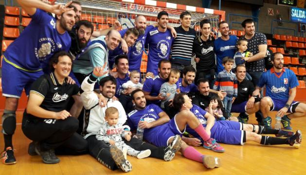 El equipo de Maristas logró el ascenso a Primera Nacional.
