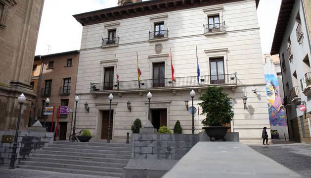 Imagen de la fachada del Ayuntamiento de Tudela.