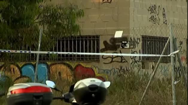 Consternación tras la muerte de un adolescente al caer de lo alto de un tejado