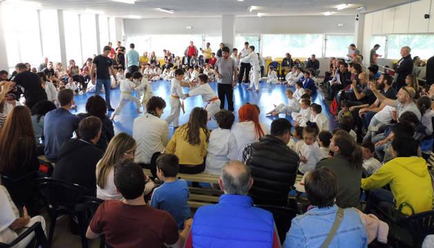 Exitosa jornada de judo con participantes de distintas escuelas municipales