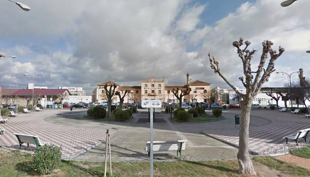 Imagen de la plaza de la Estación de Tudela.