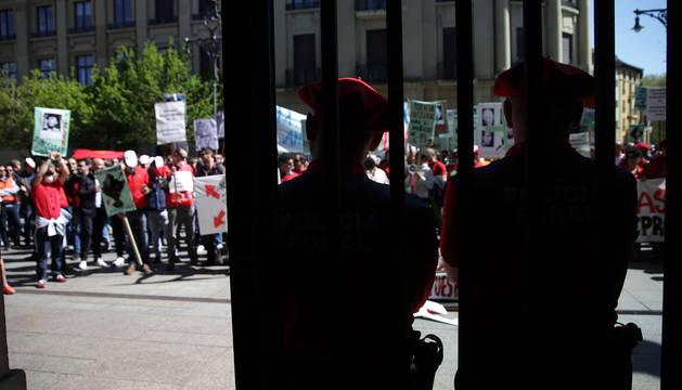 Policías forales, en una de las protestas que han protagonizado contra el proyecto del Gobierno.