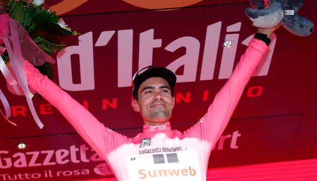 Tom Dumoulin, en el podio.